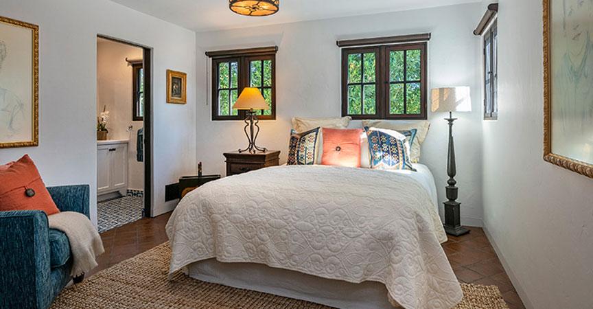 1540-knoll-bedroom3