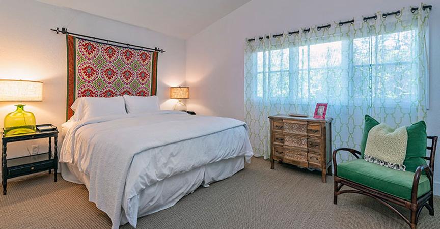 155_summit_bedroom2