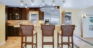 03_833_cheltenham_kitchen2